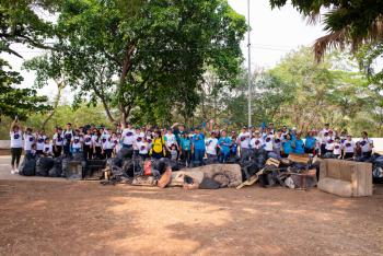 Sicoob participa do Dia Mundial da Limpeza